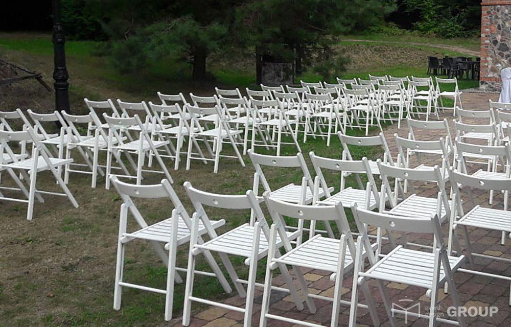 Krzesło białe, drewniane